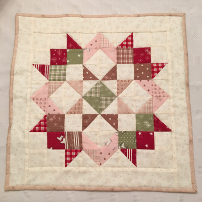 mistletoe-lane-mini-quilt